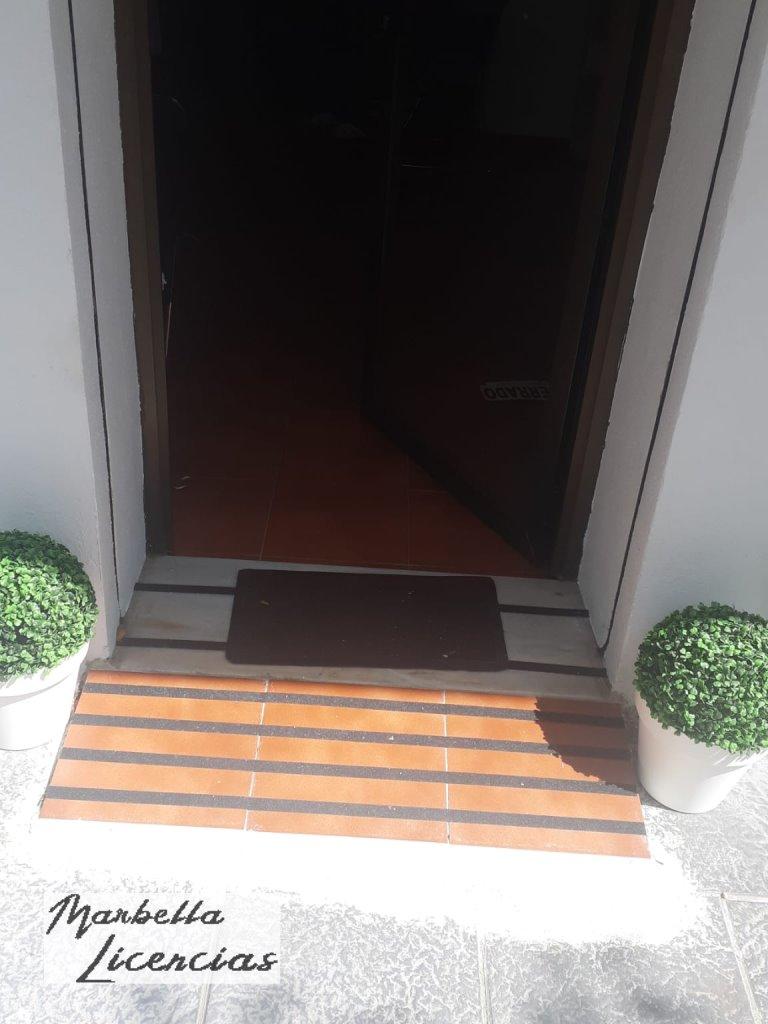 Licencia Apertura Tienda Ropa Avenida General Lopez Dominguez Marbella_008